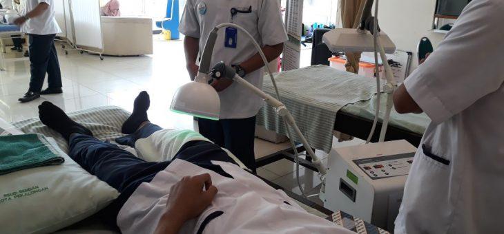 Praktek mahasiswa di poli fisioterapi RSUD bendan